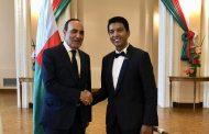 رئيس مدغشقر يُشيدُ بالملك محمد السادس في إستقباله للمالكي