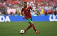 'فرانس فوتبول' تتوج الدولي المغربي 'حكيم زياش' متفوقاً على الجزائري 'محرز'