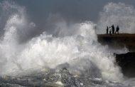 الرياح القوية و علو الأمواج يوقفان الملاحة البحرية بين الصويرة و طرفاية !