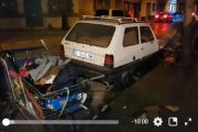 فيديو | مغربي يعيش داخل سيارة في إسبانيا و الأزبال تحيط به !