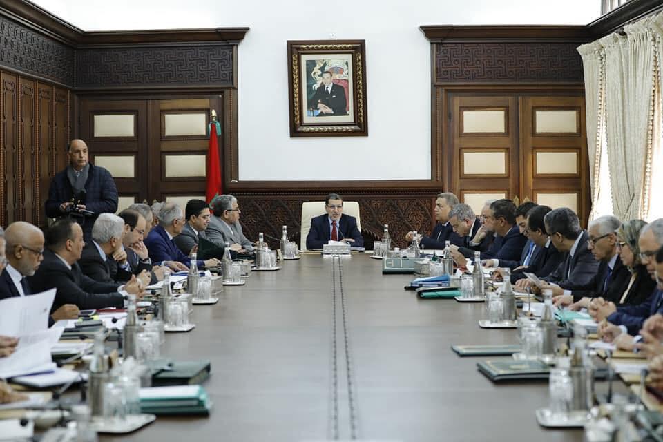 العثماني يفتتح إجتماع المجلس الحكومي بقهقهات الضحك على مشاهد سلخ الأساتذة المتعاقدين !