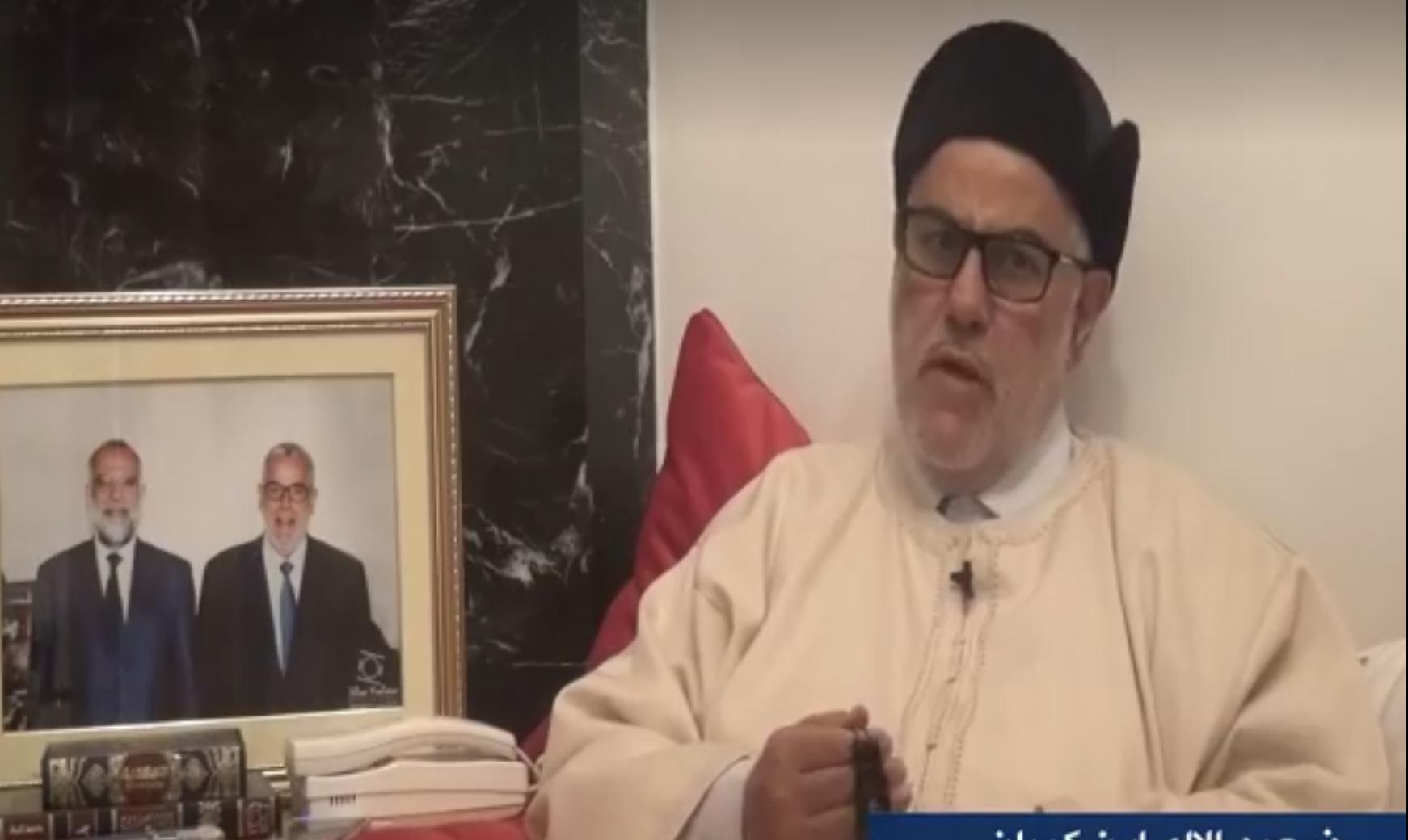 بنكيران يعترفُ والسٓبحةُ في يديه بجمعه بين معاش برلماني وراتب رئيس حكومة طيلة خمس سنوات