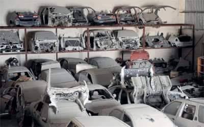 الدرك يداهم ورشة سرية ضخمة بتمارة متخصصة في تفكيك السيارات المسروقة !