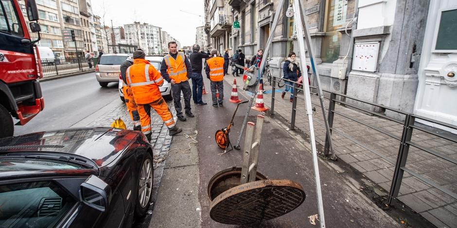 لصوص يسرقون بنكاً في بلجيكا عبر أنابيب الصرف الصحي !