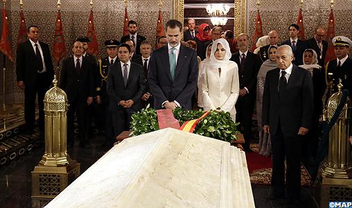 صور/ فيليبي السادس و عقيلته يترحمان على روحي الملكين الراحلين محمد الخامس و الحسن الثاني !