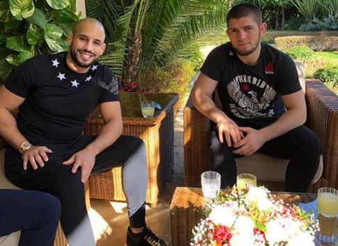 المقاتل الروسي حبيب نورماغوميدوف يحل بالمغرب و يلتقي أبو زعيتر !
