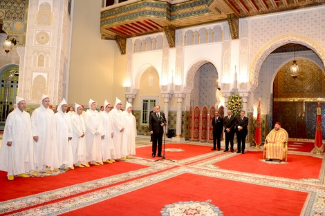 الملك يستقبل 14 سفيراً عينهم العام الماضي لتسليمهم أوراق اعتمادهم !