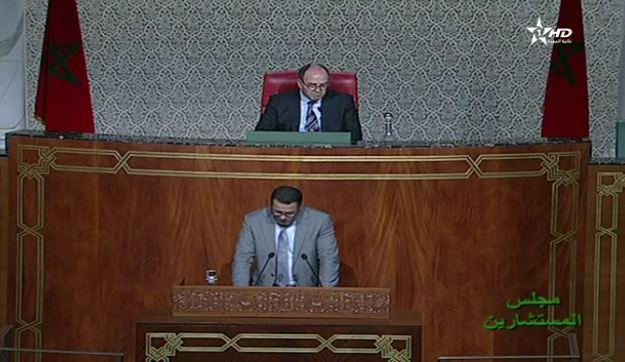 بنشماش ينفجر غاضباً في وجه وزير : طْفِي عْلينا التِلفُون .. قليل من الإحترام لهذا المجلس !