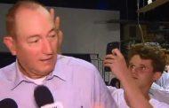 فيديو/ شاب يرشق سيناتور أسترالي بالبيض بعد مساندته لـ