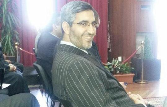 العٓماري يعود مهرولاً من قطر خوفاً من تجريده من منصبه البرلماني