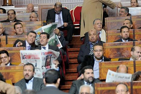 فضيحة/ وزير في حكومة العثماني يتوصل شهرياً بتعويض 2000 درهم لشراء الجرائد !