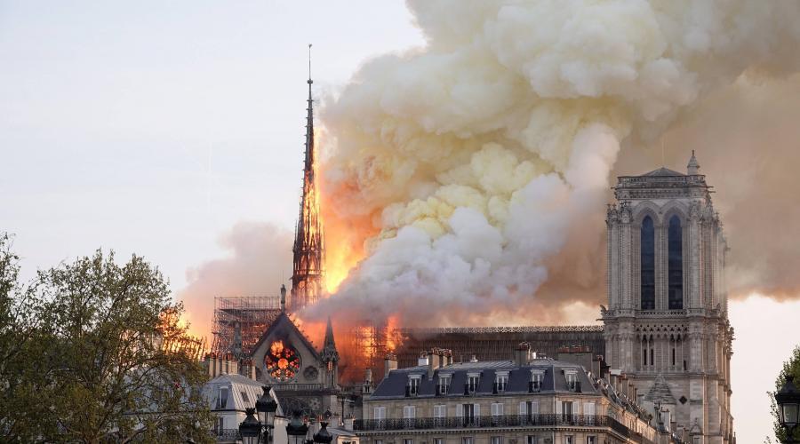 فيديو/ حريق مهول يدمر كاتدرائية نوتردام التاريخية بباريس !