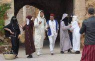 صور/ شباب دمنات يطلقون مبادرةً للحفاظ على الهوية المغربية بارتداء اللباس التقليدي !