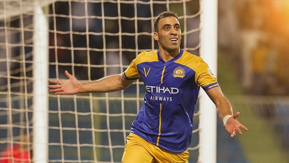 اعتقال حمد الله بالسعودية ومنعه من السفر بعد شتمه لشرطية في المطار !