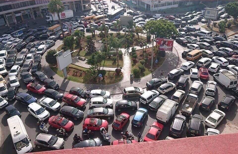 """تعثر مشاريع البنية التحتية يخنق الدار البيضاء و يكشف وهم """"المدينة الذكية"""" !"""