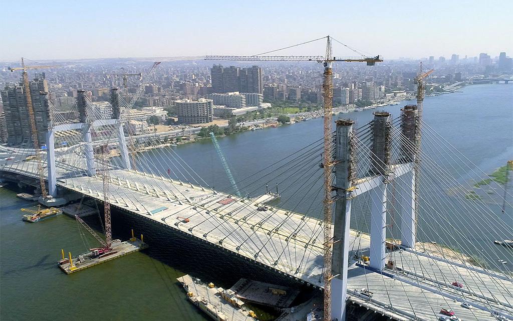 مصر تفتتح أعرض جسر في العالم أنشئ في ظرف 3 سنوات !