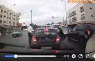 فيديو | شفار سرق شخص داخل سيارته أمام أعين شرطي مرور !