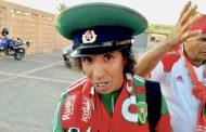 فيديو/الظلمي أشهر مشجع مغربي يُعلّق على حظوظ المنتخب الوطني في مصر