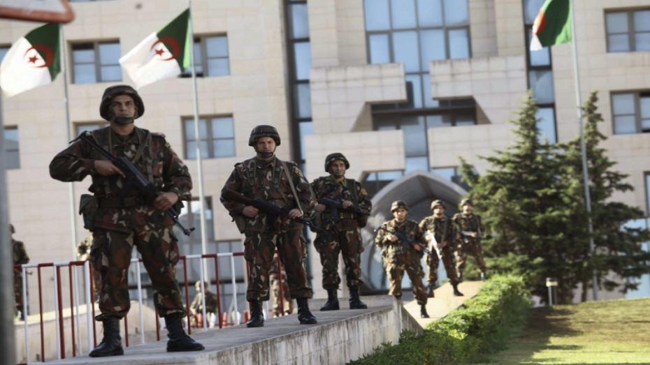 الإعدام لـ3 ضباط كبار بالمخابرات الجزائرية !