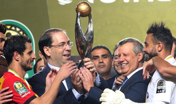جون أفريك: رئيس الحكومة التونسية طلب من رئيس الكاف تسليم الكأس للترجي و استعادته لاحقاً !