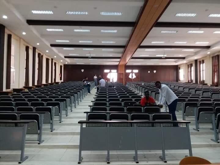 وثيقة/ وزارة التعليم العالي توقف أستاذاً بكلية الطب بمراكش بسبب دعمه لاحتجاجات الطلبة !