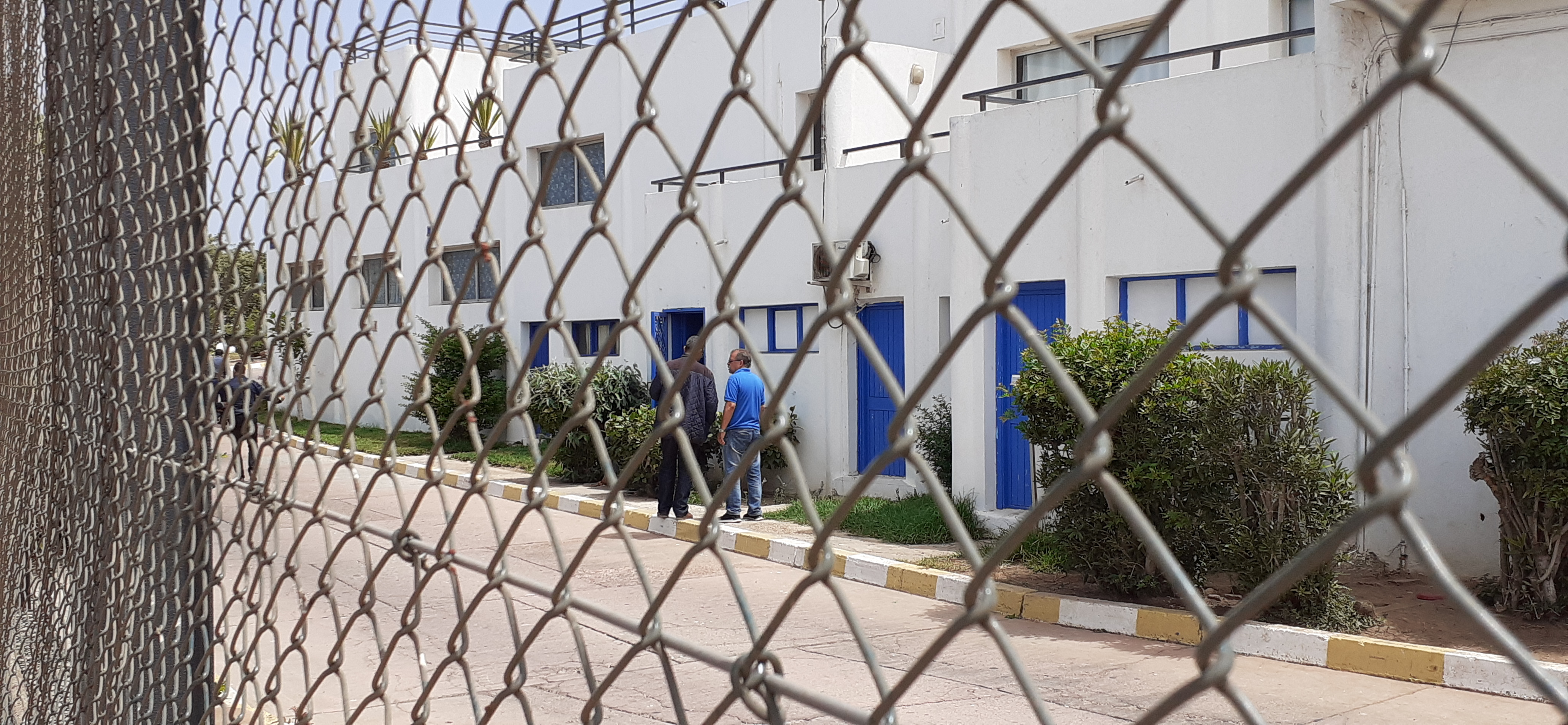 قرار قضائي يغلق إذاعة جهوية بأكادير و يشرد صحفيين !
