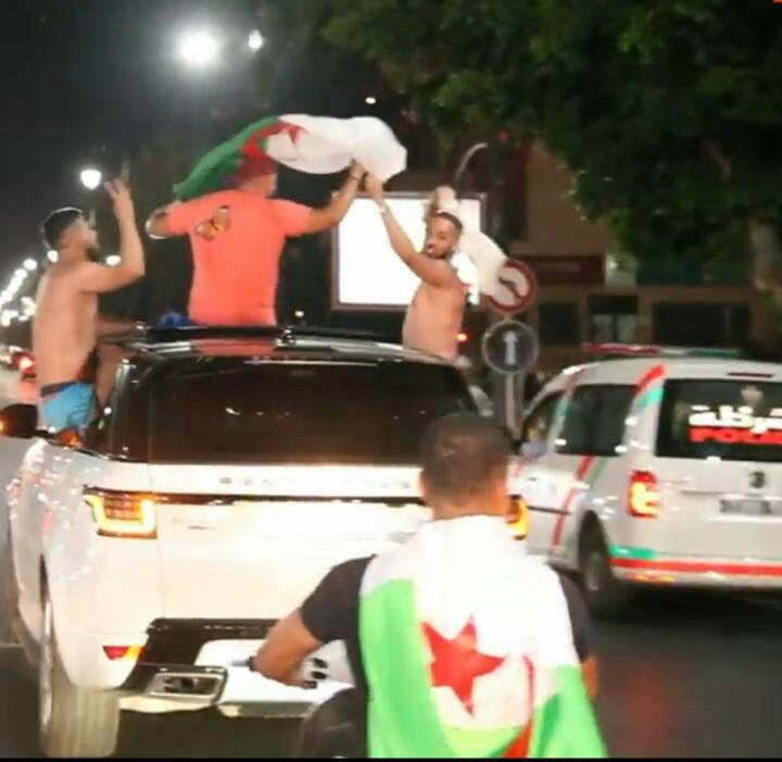 صور. ليلة إحتفالية بمراكش بفوز المنتخب الجزائري بكأس أمم أفريقيا