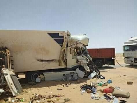 صور/ سقوط جرحى مغاربة في حادث اصطدام مروع بين شاحنات تجارية وسط موريتانيا !