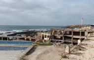 صور/ تعليمات ملكية تضع حداً لجدار و بنايات مهجورة بكورنيش عين الدياب حجبت الرؤيا عن البحر !
