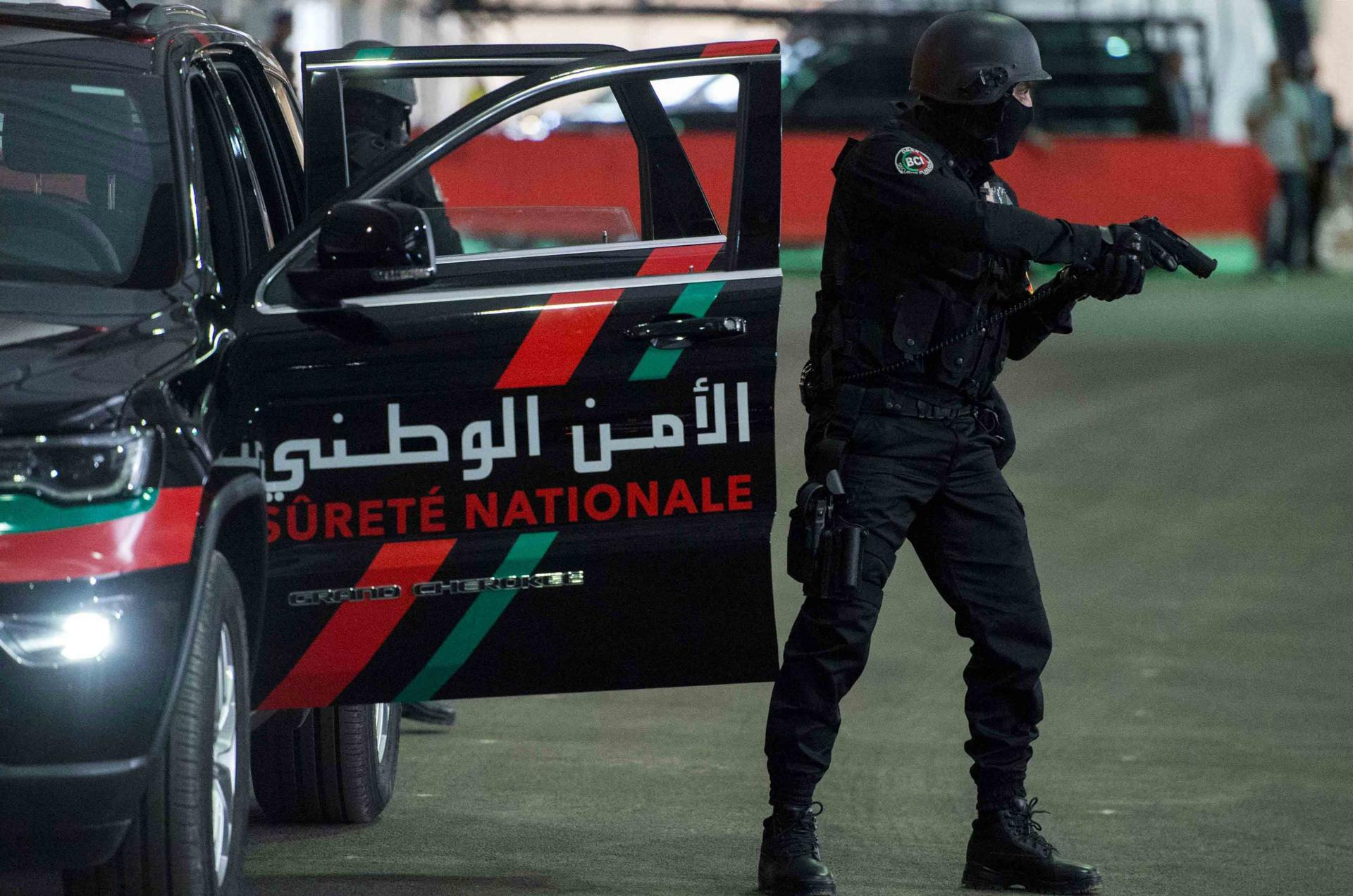 إصابة شرطي في مواجهات عنيفة بالأسلحة و الحجارة بالعيون !