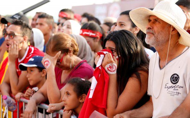 صور وفيديو/ الإعلام التونسي يتباكى على خروج 'نسور قرطاج' من الكان و يتهم حكماً مغربياً بالتآمر !