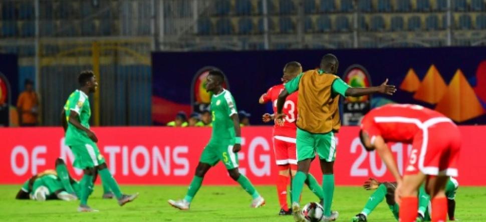 الجامعة التونسية لكرة القدم تقاطع اجتماع الكاف بالقاهرة و تحتج لدى الفيفا على الخروج من الكان !