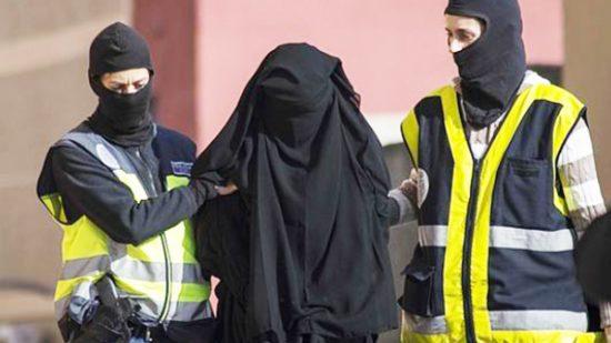 السجن 8 سنوات لمغربية متورطة في تشكيل عصابة إرهابية !