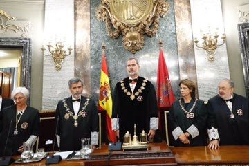 بحضور المٓلك فيليبي السادس، مصطفى فارس يترأس وفداً قضائياً في إفتتاح السنة القضائية بإسبانيا