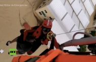 فيديو/عمليات إنقاذ المواطنين في فيضانات جنوب إسبانيا بمروحيات عسكرية