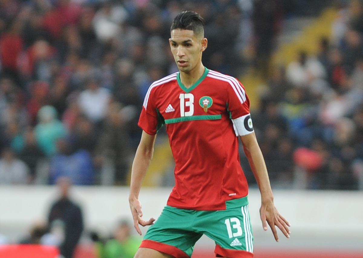 الحسين عموتة يتراجع و يستدعي بانون لمباراة الجزائر !