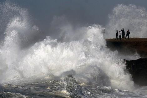 وثيقة. تحذيرٌ للصيادين والمواطنين من هيجان البحر بالصويرة وطرفاية
