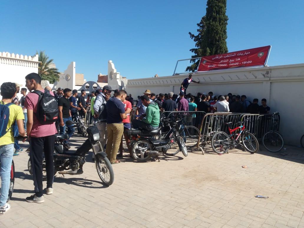 تذاكر مباراة أسود الأطلس و المنتخب الليبي تنعش السوق السوداء بوجدة !