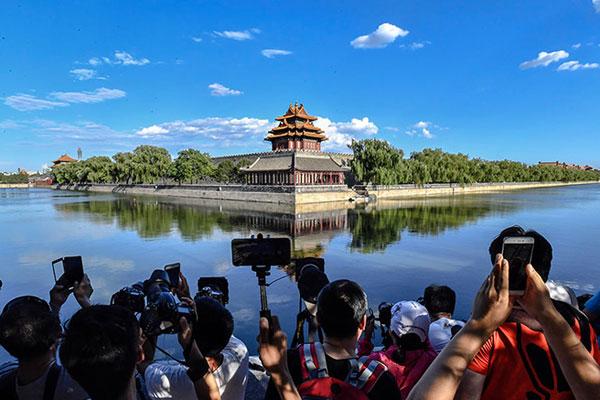 مدينة صينية تستقطب 200 مليون سائح خلال 10 أشهر بعائدات تجاوزت 48 مليار دولار