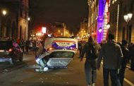 صور/في ذكراها الأولى..السترات الصفراء تحرق باريس مجدداً