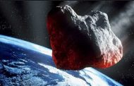 ناسا : كويكب هرمي يعبر الأرض من مسافة قريبة بسرعة فائقة !