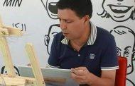 نصاب يعرض أعمال فنان كاريكاتور مغربي للبيع على أمازون !