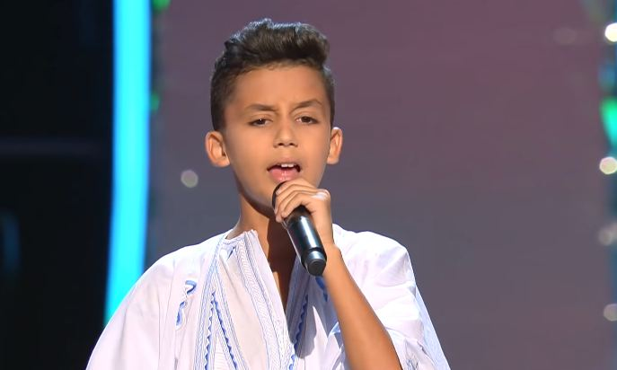 فيديو/ طفل صحراوي يُبهر لجنة تحكيم 'ذي فويس كيدز' !